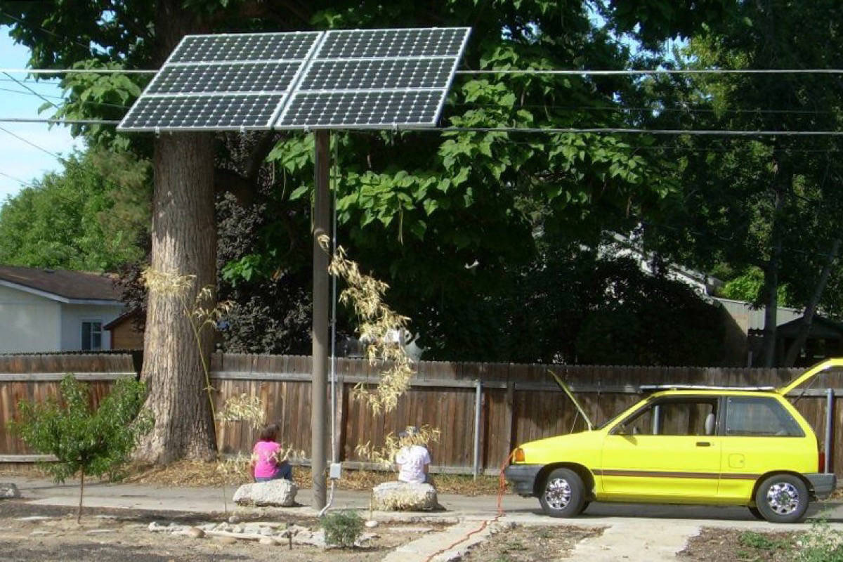 The solar-powered 'Sun Car'